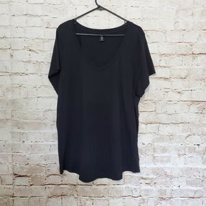 Torrid Women's Short Sleeve V- Neck Basic Tee sz 3